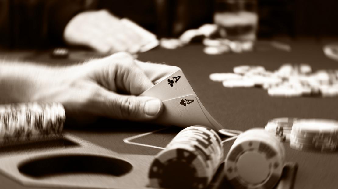 Trik Mendapatkan Banyak Keuntungan Bermain di Situs Poker